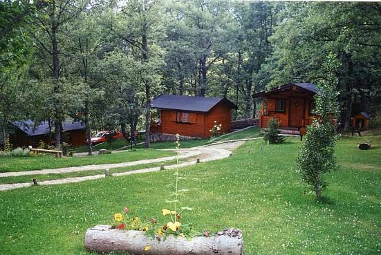 Caba as de madera sanabria vigo de sanabria ib rica turismo - Cabanas de madera en madrid ...