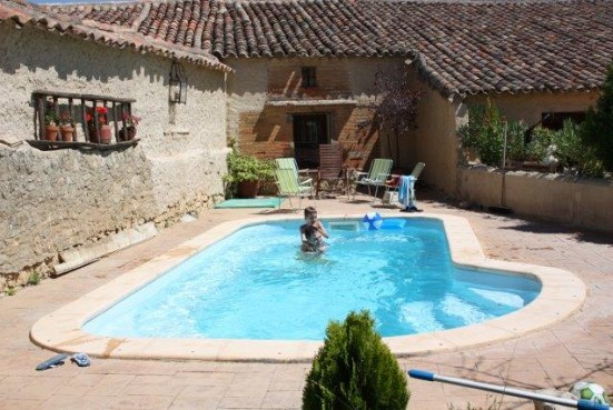 Campo y lumbre benafarces ib rica turismo for Fotos casas de campo con piscina